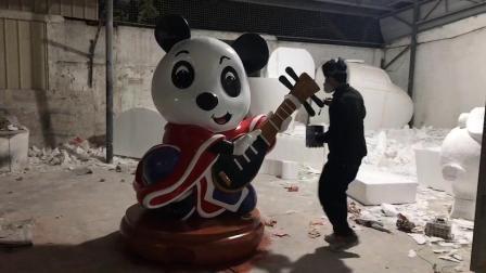 卡通熊猫雕塑