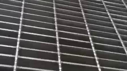 铝板钢格板厂家供应于平台,楼梯