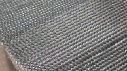 不锈钢孔板波纹生产现场