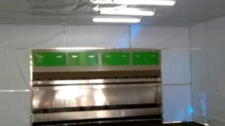 全自動伸縮環保噴漆房試機現場