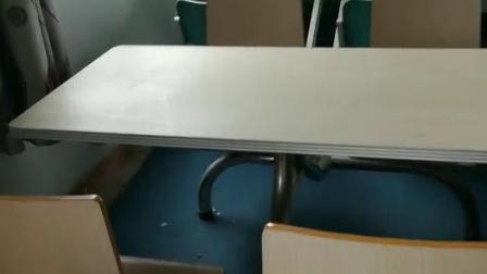 弯木餐桌椅