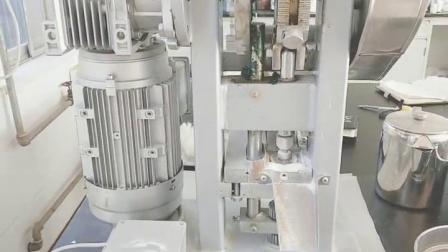 压片机工作视频