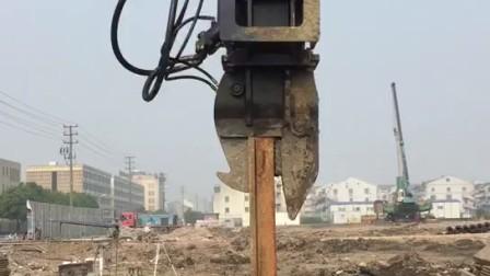 日立挖掘机打钢板桩机