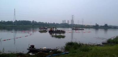 柏泰水面漂浮垃圾攔截浮筒